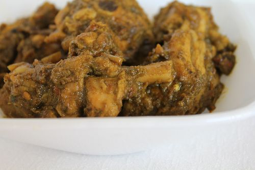Mint Coriander Chicken Curry / Pudhina Kothamali Chicken