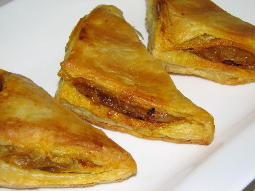 Onion Samosas with Puff pastry sheet