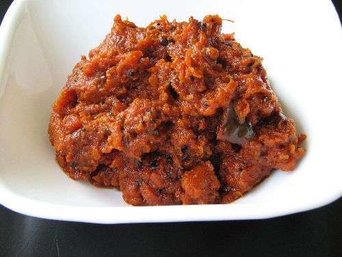 Tomato Pickle / Thakkali Thokku
