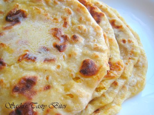 Flat bread stuffed with sweetened lentils / Opputu / Puran Poli