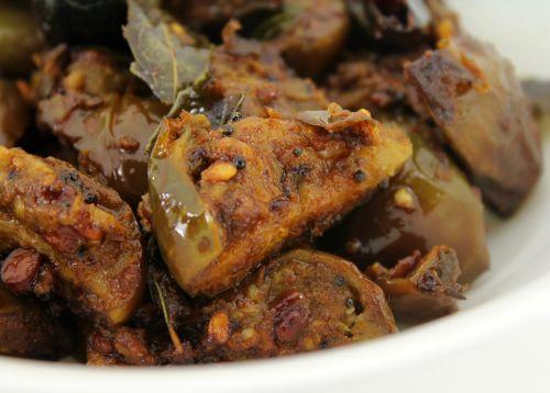 Dry Brinjal Fry/ Kathirikai Poriyal